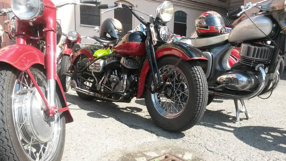 rot-schwarze Jawa