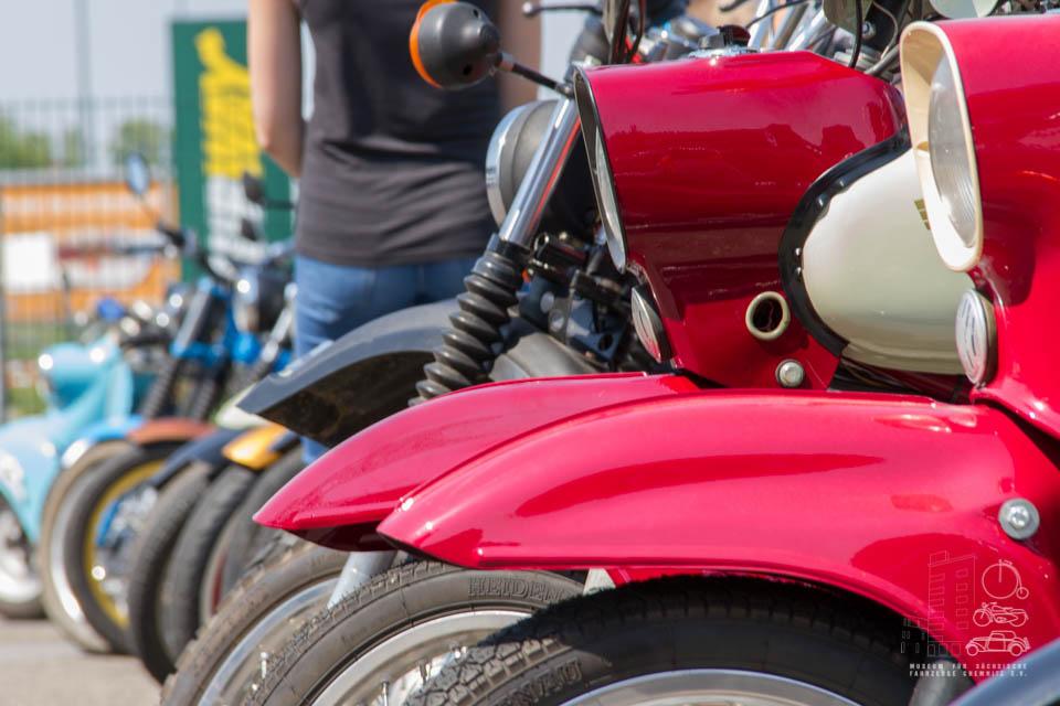 Nahaufnahme Mopedreihe