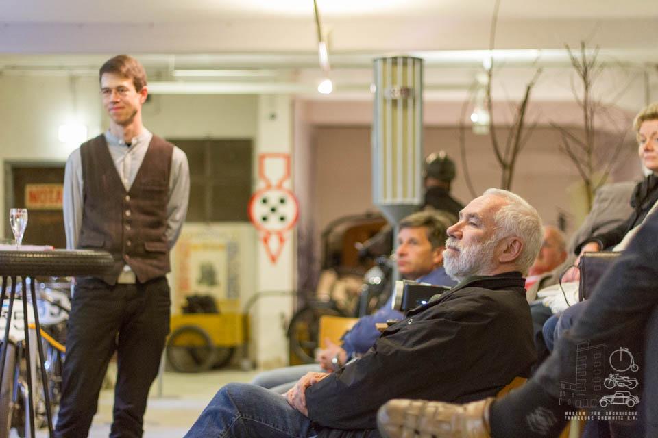 Matthias Ackermann und Zuhörer beim Vortrag