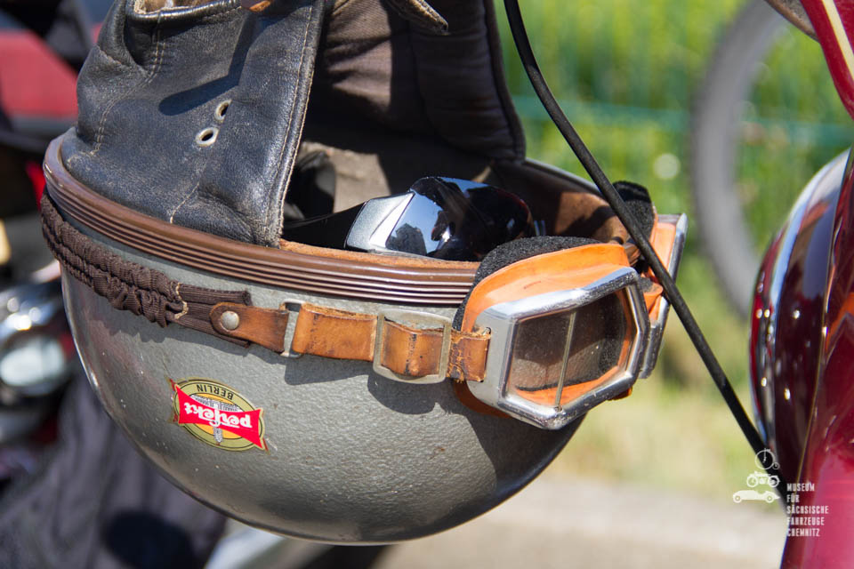 alter Helm