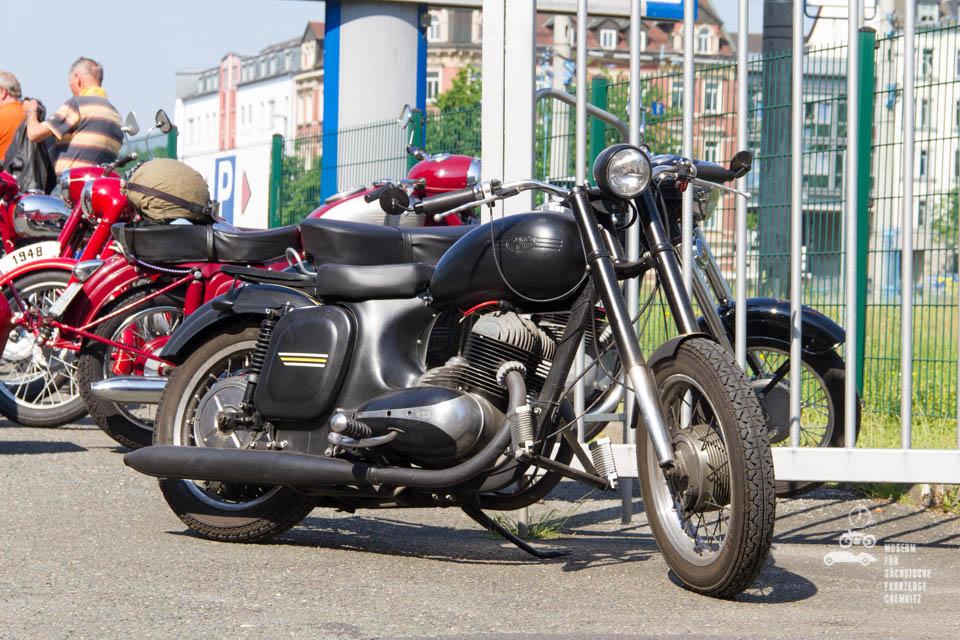 schwarzes Motorrad