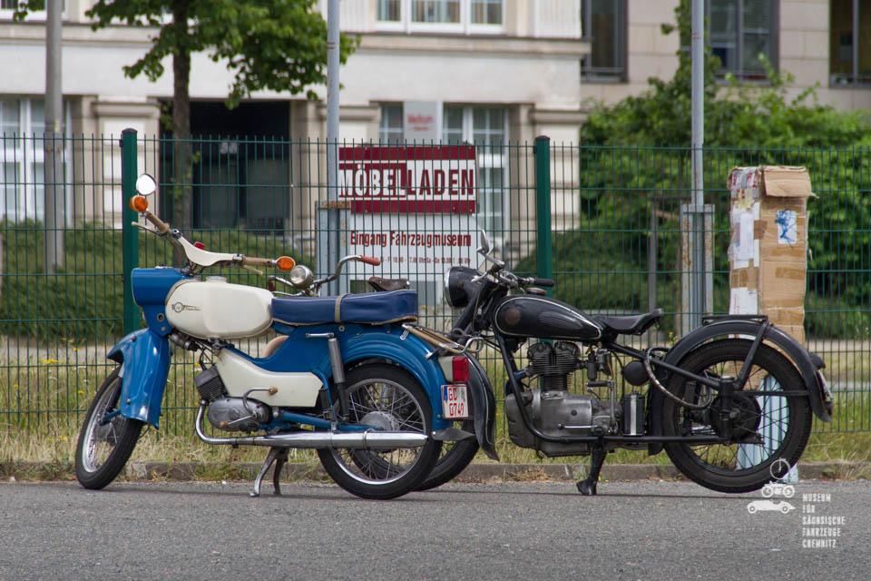 MotorrädervordemMuseum