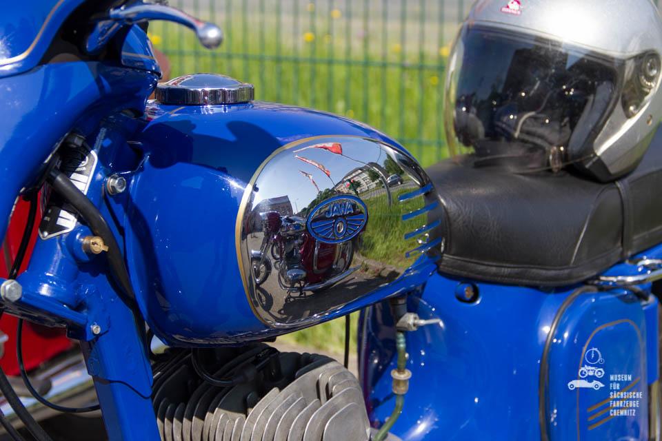 blaue Jawa