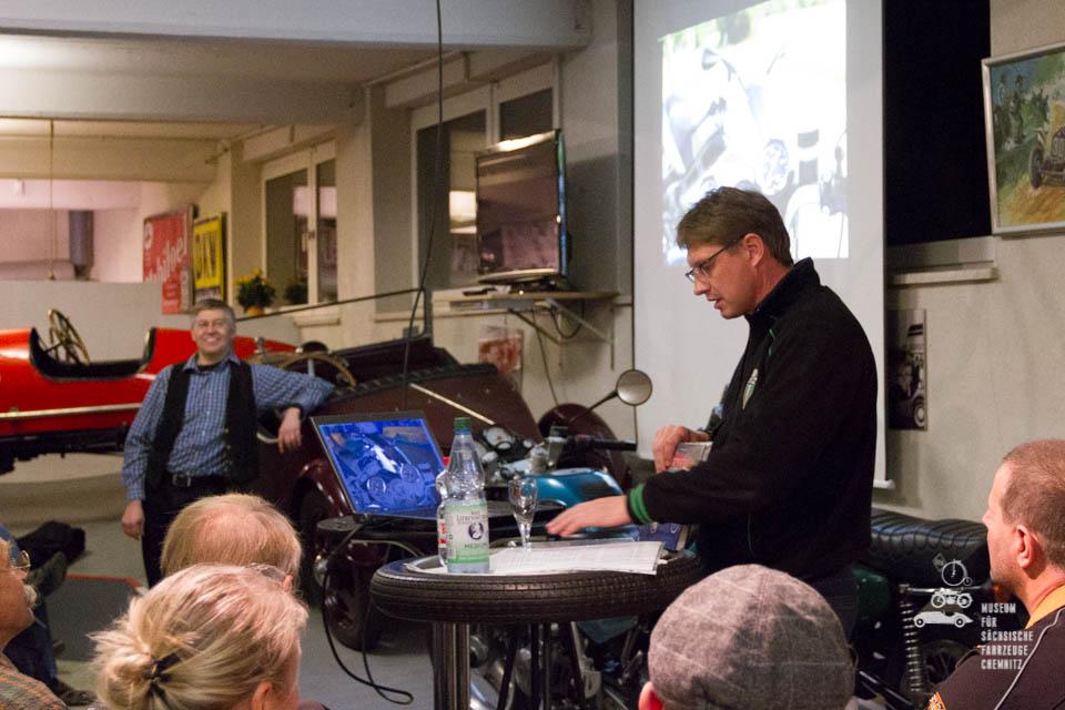 René Zapf beim Vortrag
