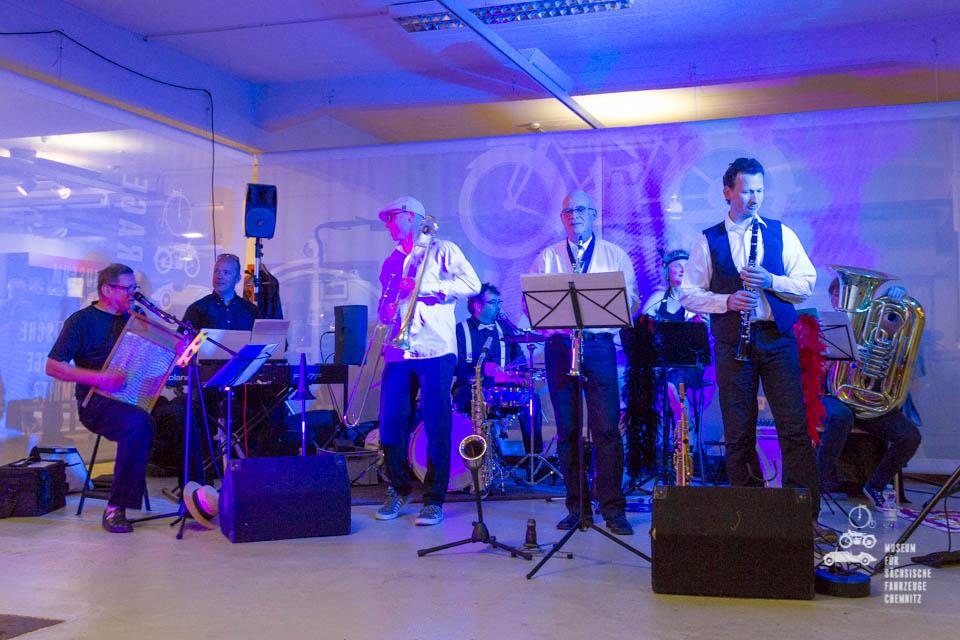 Band im Museum