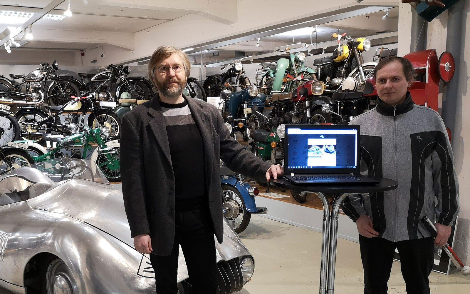 Dirk Schmerschneider und Lars Geithner präsentieren die neue Website 2021