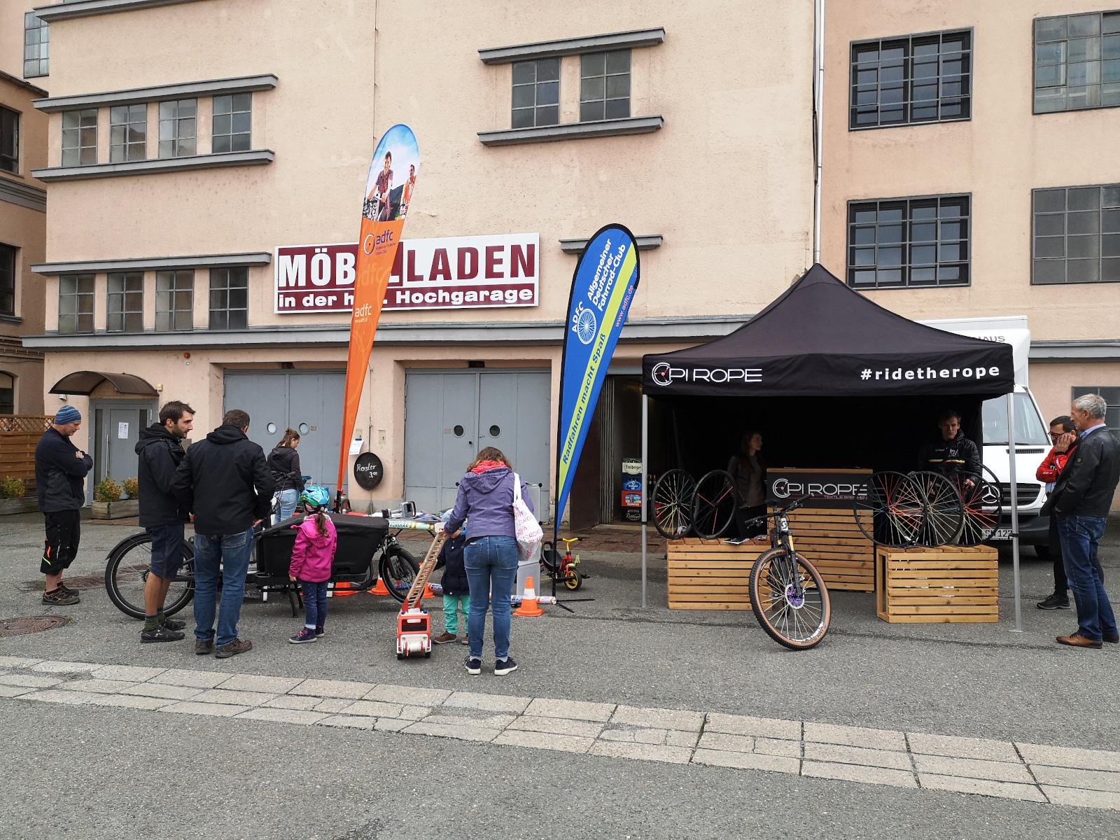 Die Stände von Pi-rope und der Fahrrad-Codier-Stand